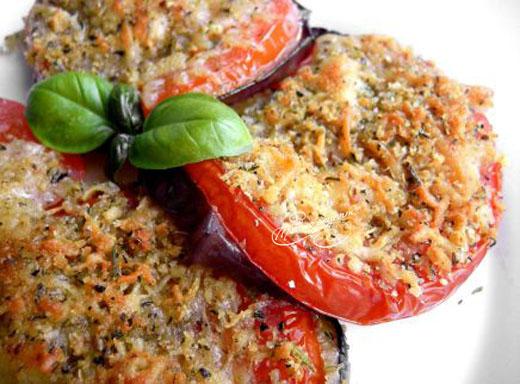 Баклажаны жареные с овощами