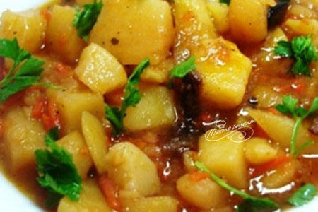 Картошка тушеная с овощами