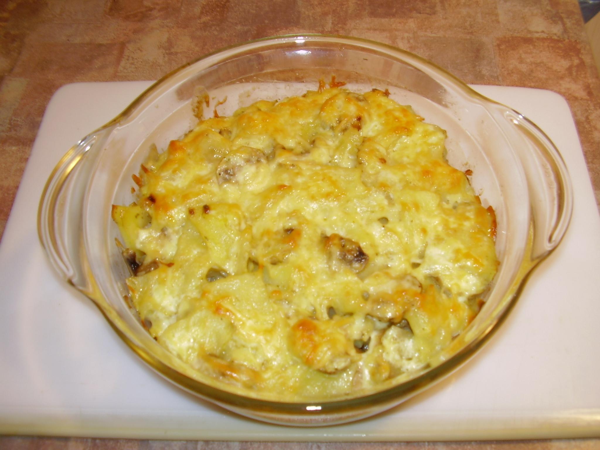 Картофель запеченный с грибами и сыром