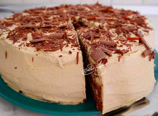 Кофейный торт с клубничным джемом