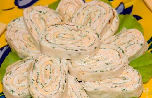 Закуска из лаваша с печенью трески