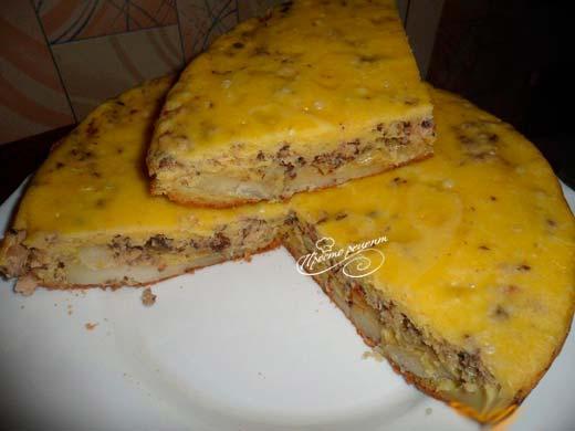 Пирог с сардинами и картошкой в мультиварке