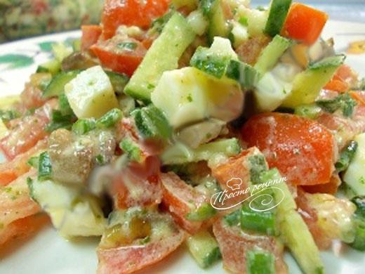 Салат с жареными шампиньонами