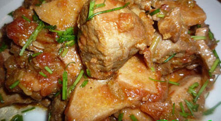 Мясо жареное по-корейски в остро-кисло-сладком соусе