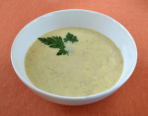 Сырный суп с овощной смесью