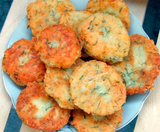 Чесночные сырники под сыром