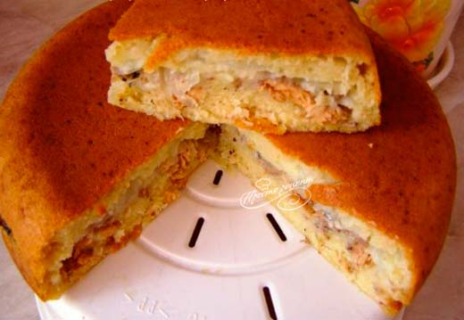Пирог из рыбы в мультиварке