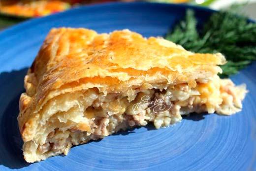 Пирог с сыром и фаршем