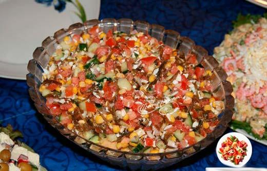 Салат из морской капусты и кукурузы