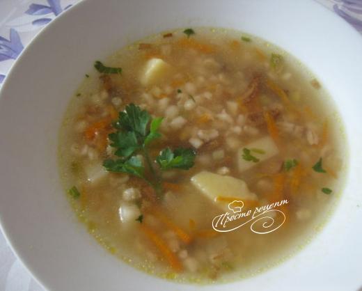 Ароматний грибний суп із сушених грибів