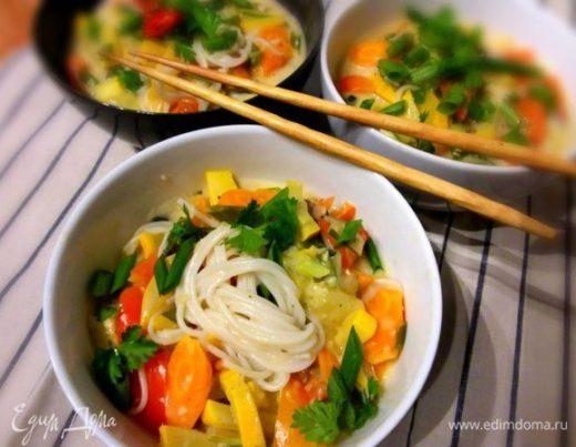 Тайский зеленый карри с кабачком