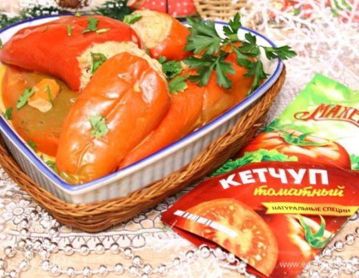 Фаршированный перец в сметанно-томатном соусе