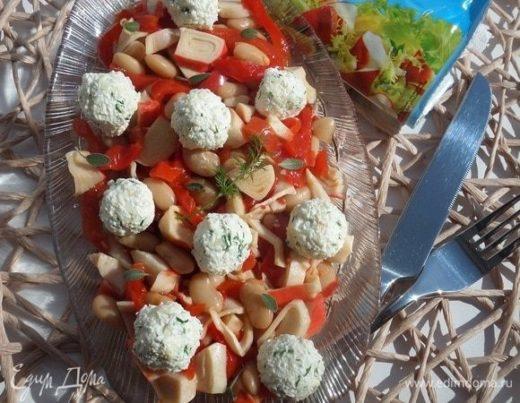 Салат с крабовым мясом и овощами