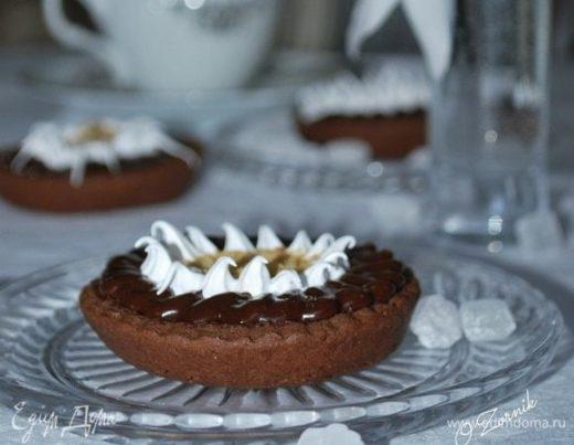 Шоколадно-мятные пирожные с арахисовой пастой