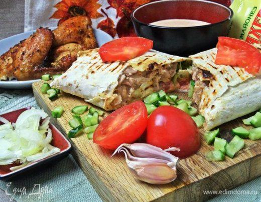 Шаверма с запеченной курицей и майонезным соусом