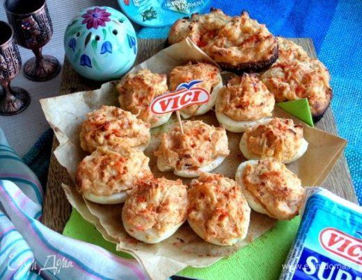 Запеченные фаршированные яйца