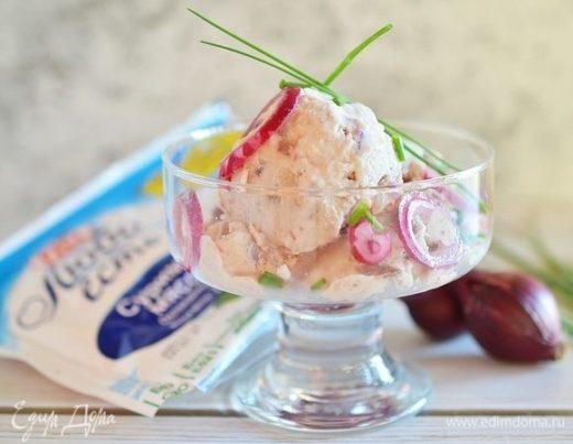 Селедочное мороженое с крабовой крошкой