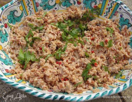 Красный рис с соусом из тунца и апельсина