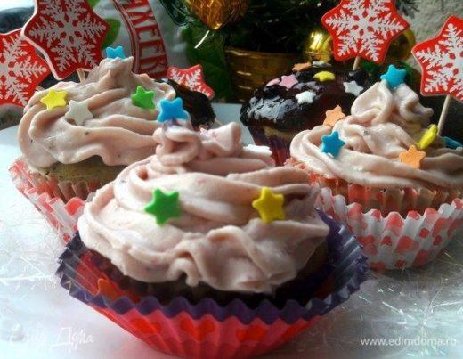 Новогодние капкейки с ягодным джемом