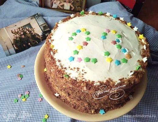 Торт «Сметанник» с орехами