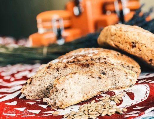 Хлеб на ночной опаре с карамелизированным луком