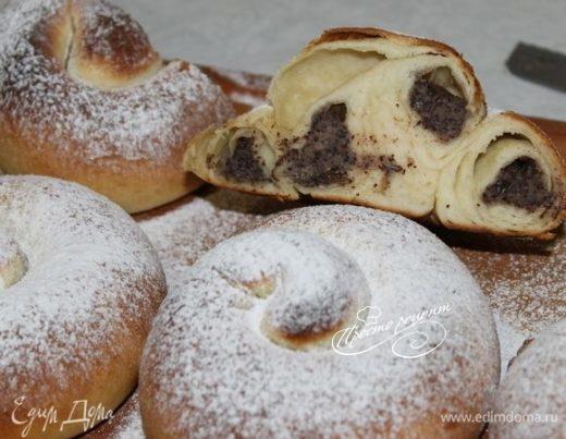 Испанские булочки Ensaimadas с украинской начинкой