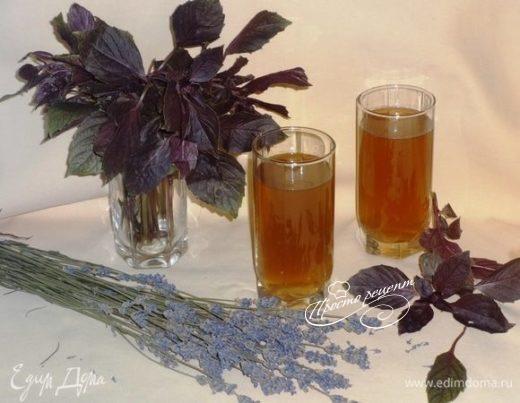 Холодный чай с лавандой и базиликом