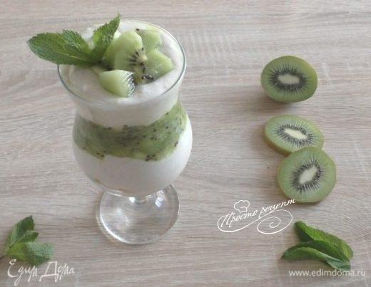 Десерт с киви, творогом и кокосовой стружкой
