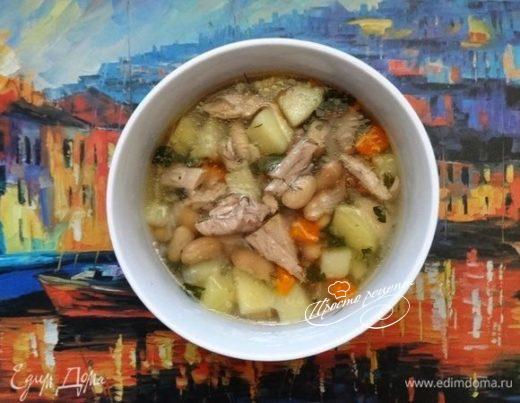 Суп с тунцом и белой фасолью