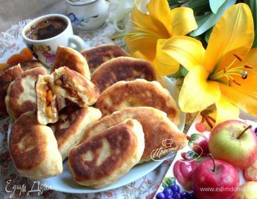 Пирожки в сковороде с начинкой ассорти