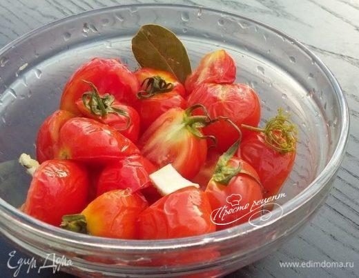 Быстро замаринованные помидорки