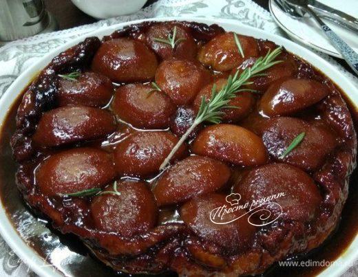Тарт татен с персиками и карамелью