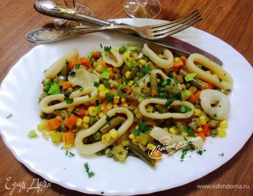 Соте из кальмаров с овощами