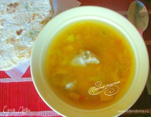 Острый тыквенный суп с клецками