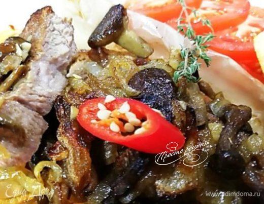 Стейк из свиной шейки с грибами