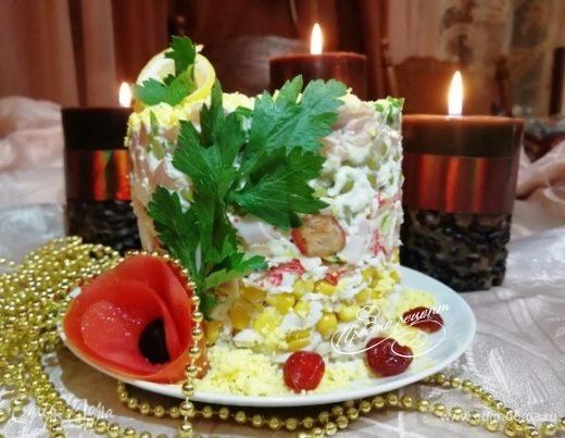 Салат с кальмаром и овощами