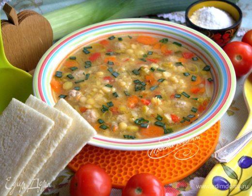 Гороховый суп с пореем и фрикадельками
