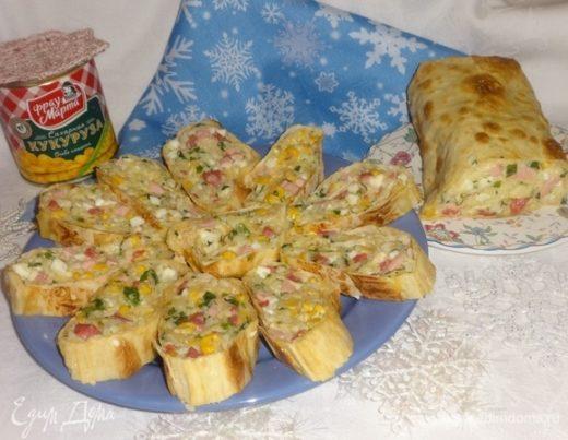 Закусочный рулет с кукурузно-рисовым салатом