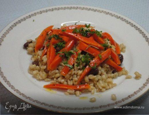 Глазированная морковь с пилавом из перловки