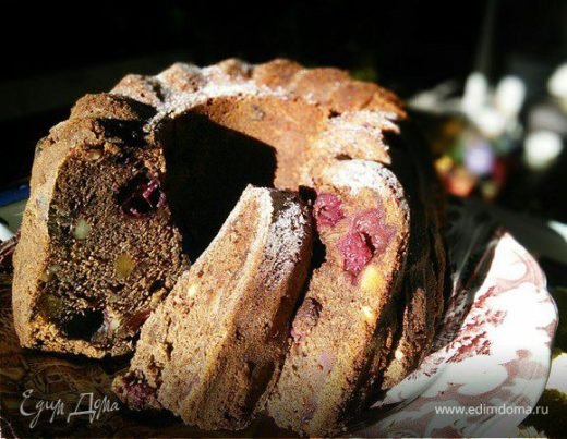 Шоколадный гугельхупф с вишней на глинтвейне