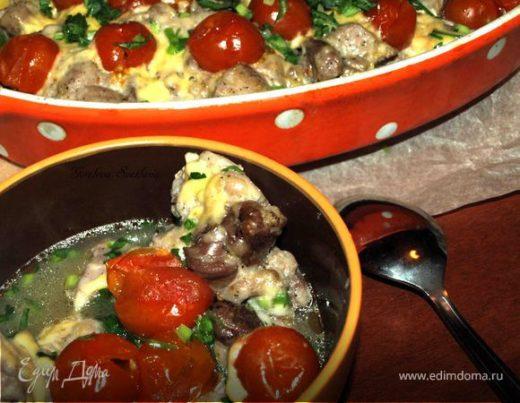 Свинина, запеченная с помидорами черри и сыром