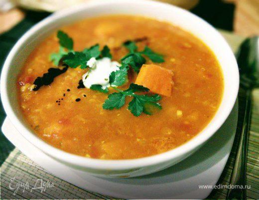 Острый томатный суп из чечевицы с тыквой