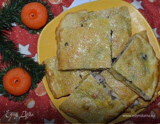 Пирог с индейкой, картошкой и грибами