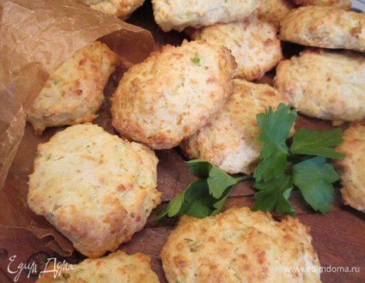 Сырное печенье с луком