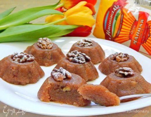 Десерт из манной крупы с орешками