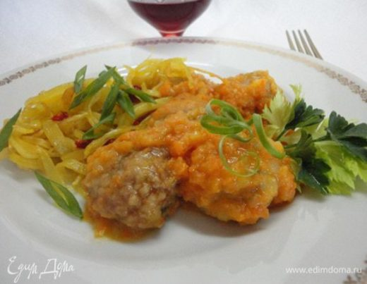 Фрикадельки в луково-морковном соусе по-мадридски