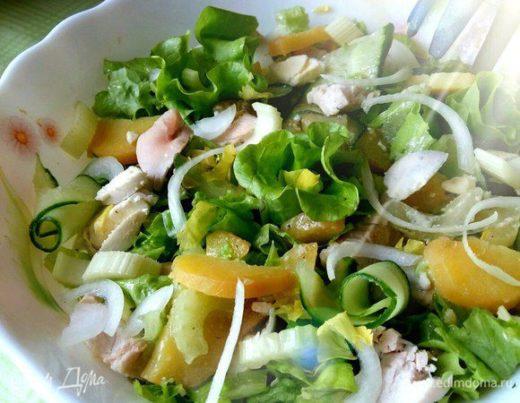 Салат с куриной грудкой и картофелем