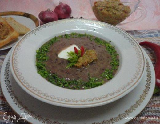 Фасолевый суп с сальсой