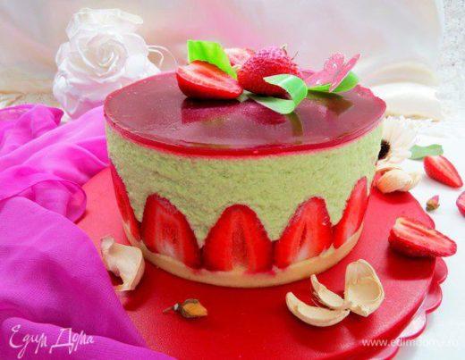 Торт «Фрезье» с фисташковым муссом