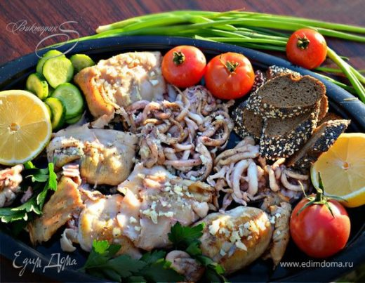 Кальмары и щупальцы, приготовленные на гриле по-черногорски